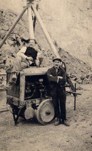 Steinbruch Limseneck Ruggell, Josef Marxer (links) mit Johann Marxer (rechts), Ende 1940er Jahre